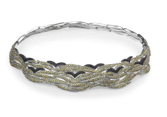 首饰类别:项链    材料说明:18k黄,钻石,白珍珠    设计概念及特色
